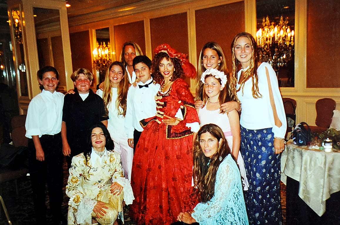 Vanina Aronica & her choir at The Venitian Ball – Beverly Hills
